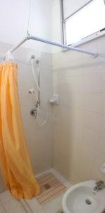 La doccia delle camere lato monte - Hotel Edelweiss
