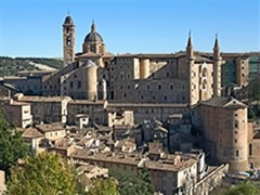Palazzo Ducale Urbino - visite da Torrette di Fano