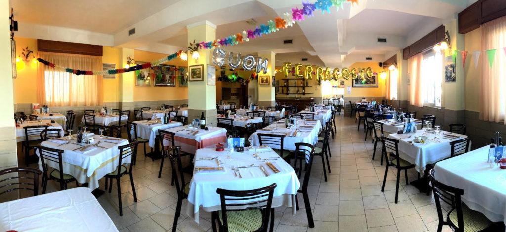 La sala ristorante in festa