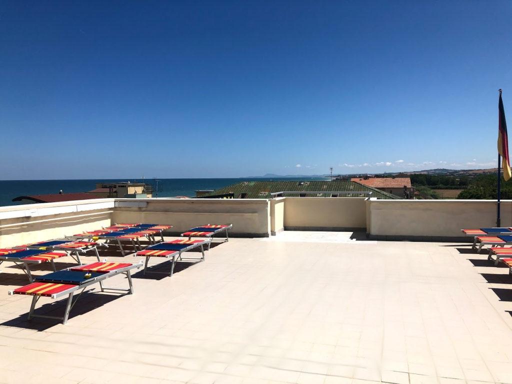 Il terrazzo dell'Hotel Edelweiss